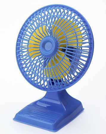 夏季车内室内降温制冷瞬间清凉实验干冰喷雾人身体降温空气快速制冷喷雾